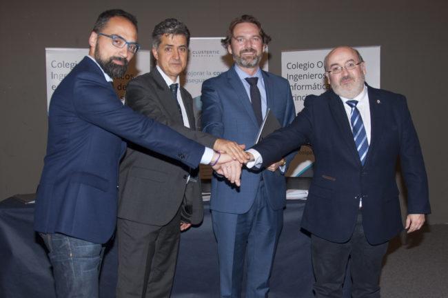 Firma acuerdo AENOR Cluster TIC Colegios